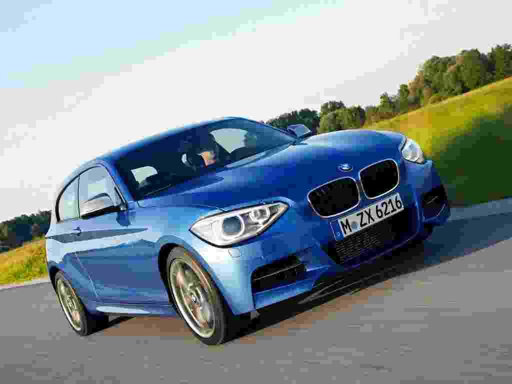 A BMW confirmou oficialmente nesta sexta-feira a produção em série da versão de três portas do Série 1 com pacote esportivo M, o M135i - Divulgação