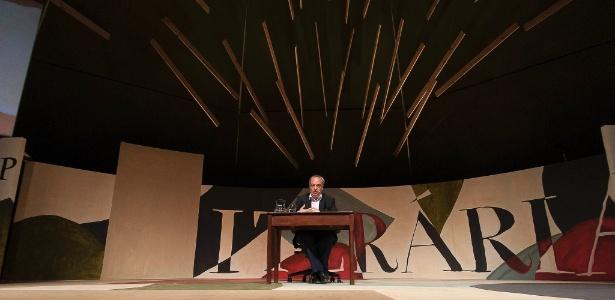 O escritor catalão Enrique Vila-Matas deu conferêmcia na tenda dos autores da Flip 2012 na noite do sábado (7/7/12) - Divulgação/Walter Craveiro