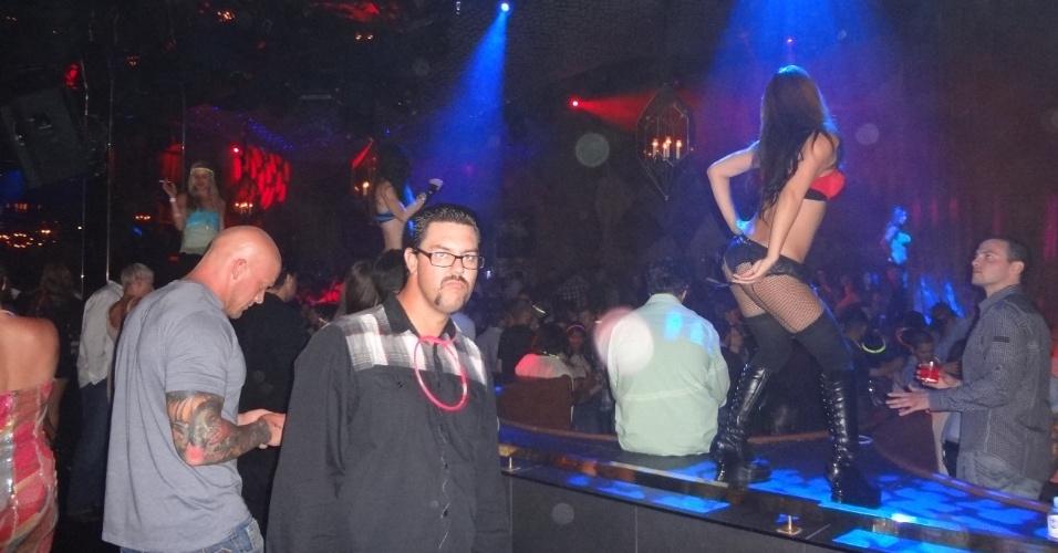 A festa de Anderson Silva teve os ingredientes clássicos de uma balada de Las Vegas, com gente diferente e belas mulheres dançando