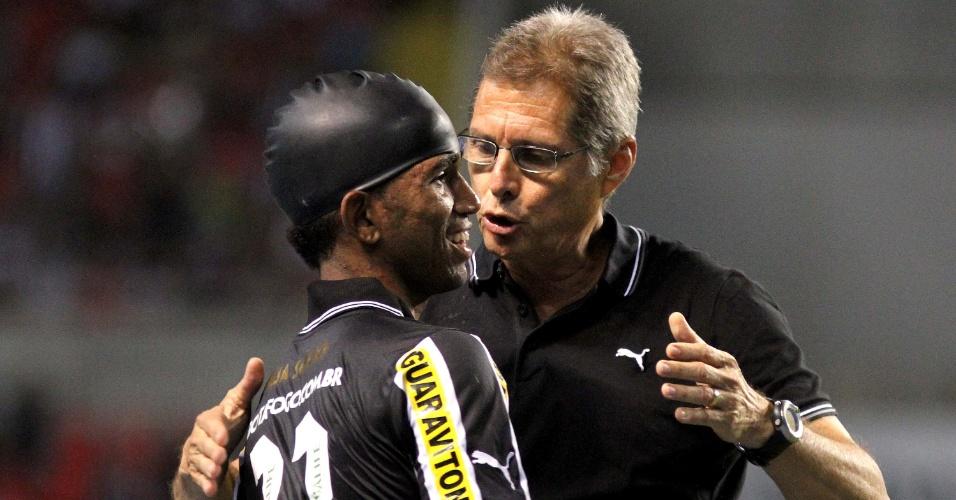 Oswaldo de Oliveira, treinador do Botafogo, elogia Cidinho após boa atuação contra o Bahia