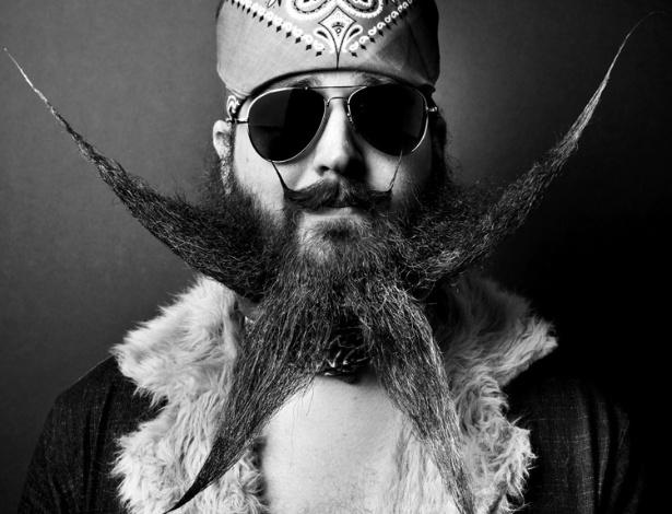 9.jul.2012 - Muir, diz ainda que começou fotografando amigos e logo passou a abordar desconhecidos barbudos que via nas ruas. Em seguida, procurou criadores