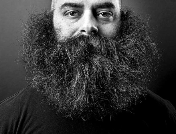 9.jul.2012 - O fotógrafo autodidata Justin James Muir registrou 86 homens com barbas impressionantes no livro