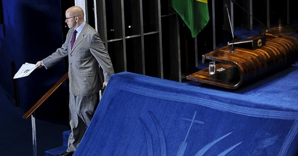 """9.jul.2012 - O senador Demóstenes Torres (sem partido-GO) discursa no plenário do Senado e afirma que eventual cassação de seu mandato, por quebra de decoro parlamentar, seria """"a maior injustiça do Parlamento brasileiro?"""