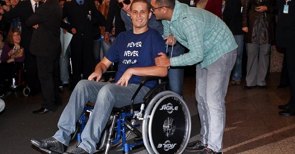 Acidentado em 20 de abril, Pedro ainda deve permanecer em São Paulo para sessões de fisioterapia e fonoaudiologia (9/7/12)