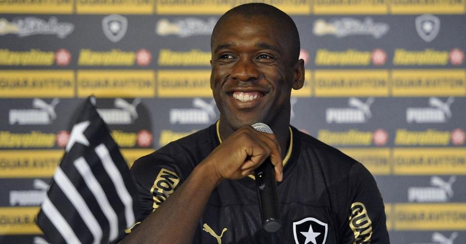 Coletiva e apresentação de Seedorf no Botafogo