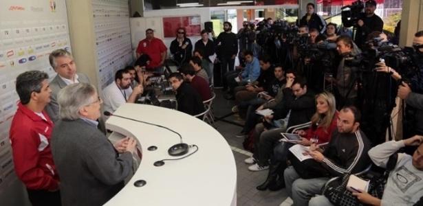 Jornalistas lotaram a sala de imprensa do São Paulo na apresentação do novo treinador Ney Franco