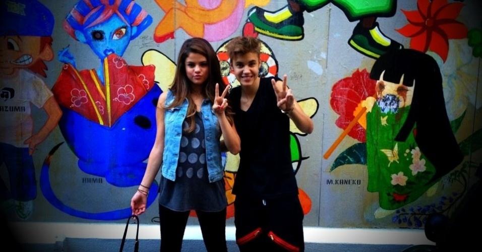 Selena Gomez acompanhou o namorado, Justin Bieber, durante viagem ao Japão (9/7/12)