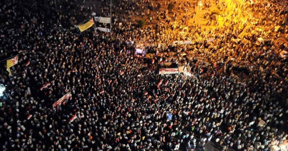 10.jul.2012- Milhares de egípcios se reúnem praça Tahrir, símbolo da primavera árabe no Egito