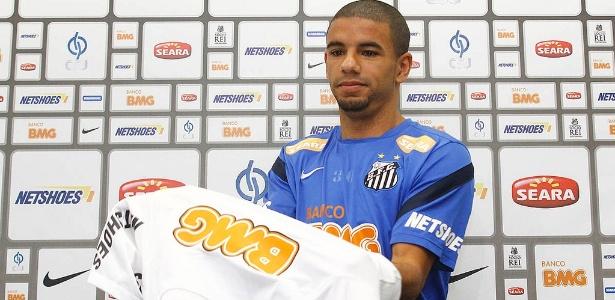 Bruno Peres jogou no Santos de 2012 a 2014 e atualmente defende o Torino - Divulgação/Santos FC