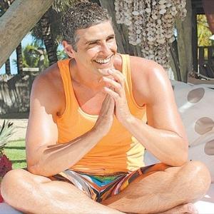 Reynaldo Gianecchini posa para a revista