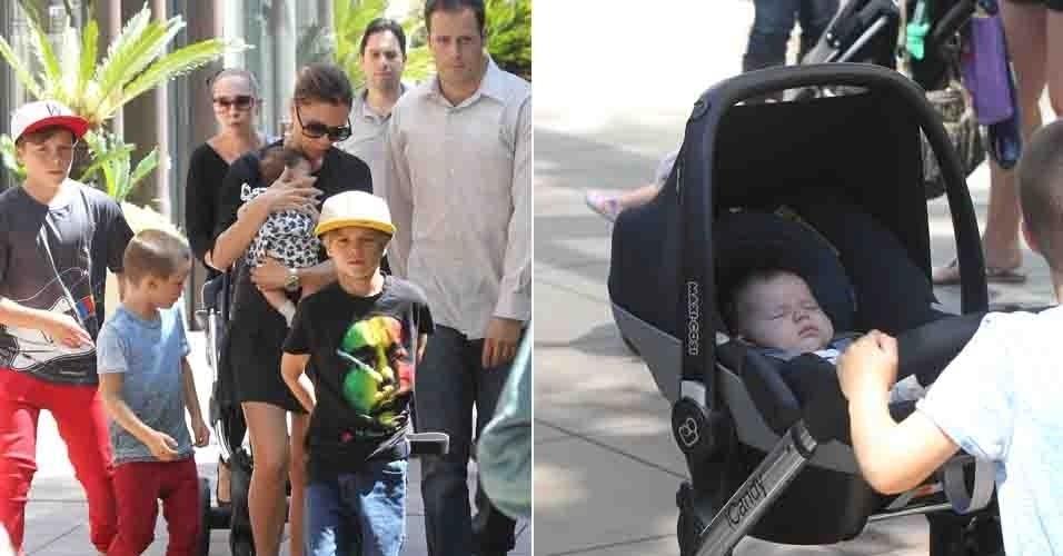 Victoria Beckham levou os filhos ao cinema em Los Angeles, inclusive, a caçula Harper de um mês (31/08/11)