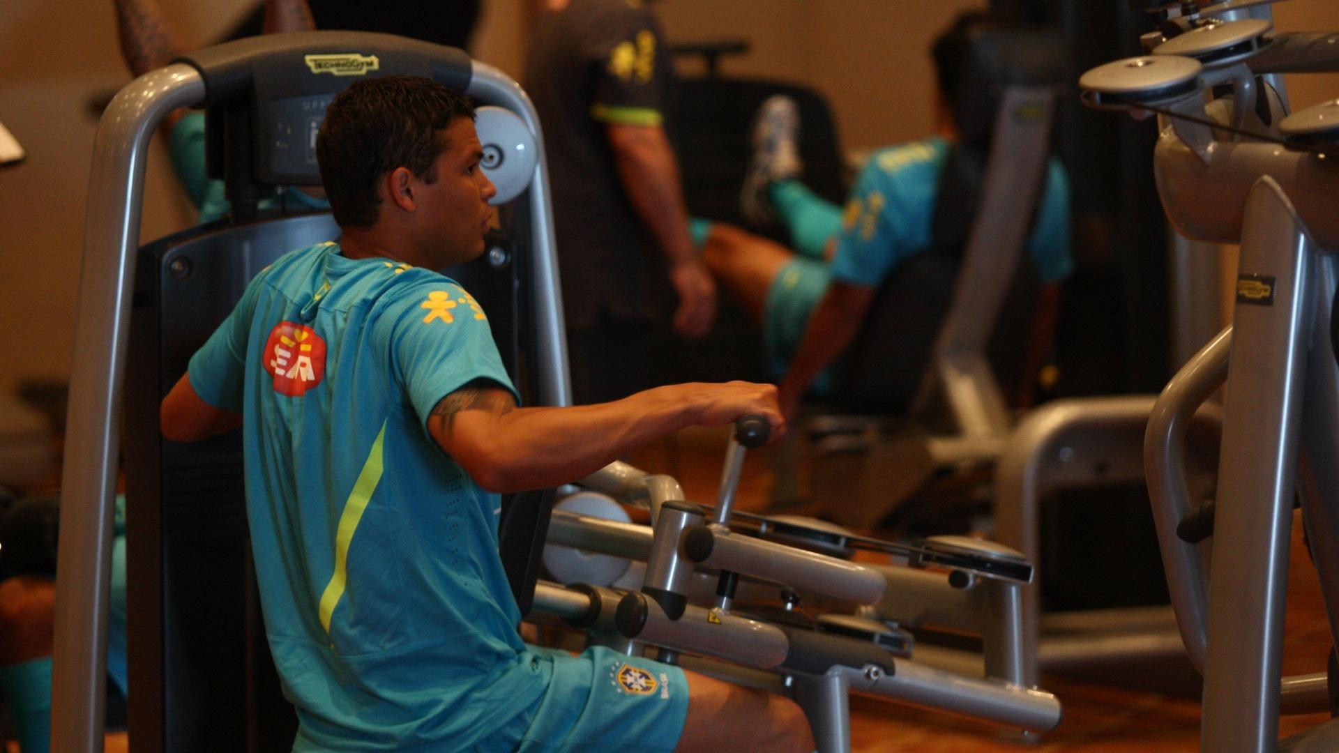 Zagueiro Thiago Silva em trabalho de musculação na academia do hotel onde a seleção brasileira está concentrada para os Jogos Olímpicos