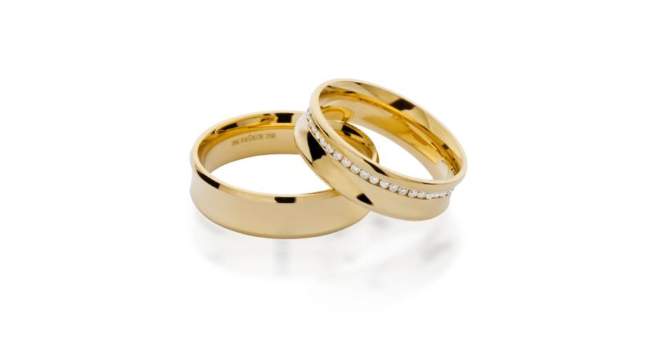 Aliança em ouro amarelo com e sem diamantes da joalheria Tani Jewel (www.tani.com.br)
