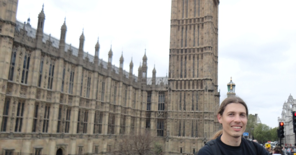 André Rech em frente ao Big Ben, em Londres