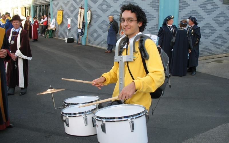 Daniel Nogueira, 27, na fanfarra da Ecole Centrale Paris.