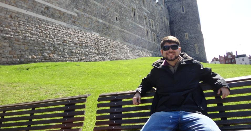Marcelo Freire Moro, biólogo e doutorando em Biologia Vegetal pela Unicamp (Universidade de Campinas), em frente ao castelo de Windsor, no condado  de Berkshire, Inglaterra