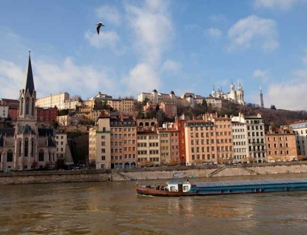 Em 2007 teve início um plano ambicioso de renovar as margens dos rios de Lyon, o Saône (foto) e o Ródano, cujo calçadão na Rive Gauche (Margem Esquerda) é o favorito dos pedestres, corredores, ciclistas e os que só querem passear sem pressa