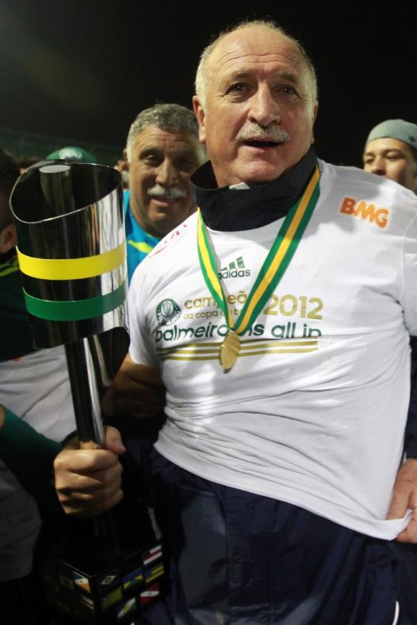 Luiz Felipe Scolari comemora conquista do título da Copa do Brasil pelo Palmeiras