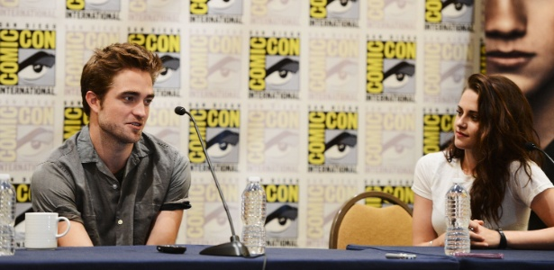 Kristen Stewart e Robert Pattinson na Comic-Con 2012 - Getty Images
