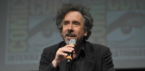 """Tim Burton fala sobre sua animação Frankenweenie"""" durante a Comic-Con (12/7/12) - John Shearer/AP"""