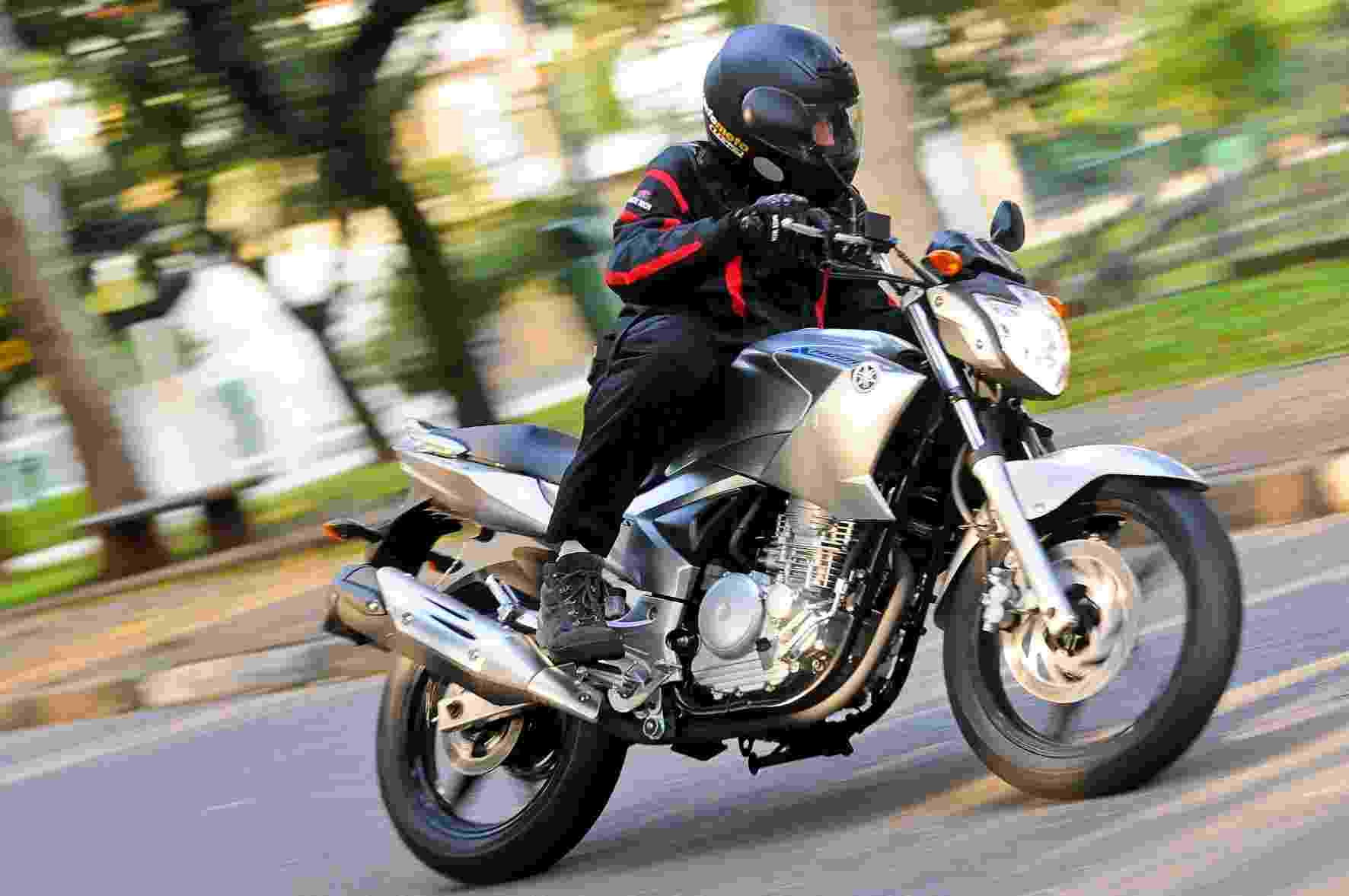 O propulsor da nova Yamaha Fazer 250 YS 2013 oferece bom rendimento em baixas e médias rotações, graças ao bom torque - Doni Castilho/Infomoto
