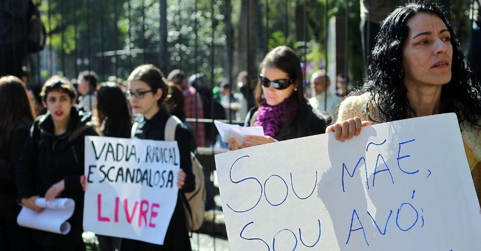 14. jul.2012- Marcha das Vadias acontece em Curitiba