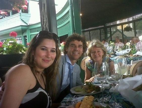 Guga publica foto de almoço em seu Twitter, horas antes de seu incluído no Hall da Fama do tênis
