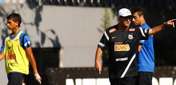 Dupla trabalho no Santos; técnico cobrava meia por ser 'desligado' em campo
