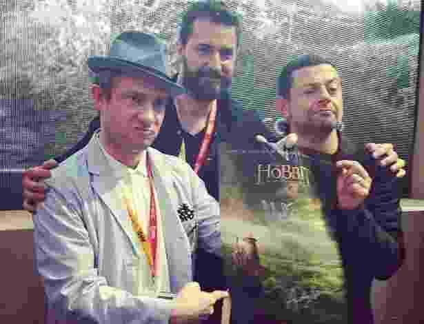 """Os atores Martin Freeman (à esq), Richard Armitage e Andy Serkis participam do painel do filme """"O Hobbit"""" (14/7/12) - Reprodução/Instagram"""