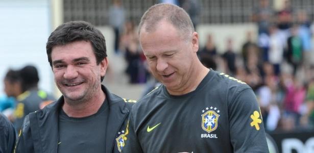 Andres Sanchez disse que o técnico Mano Menezes demorou muito para renovar seleção brasileira