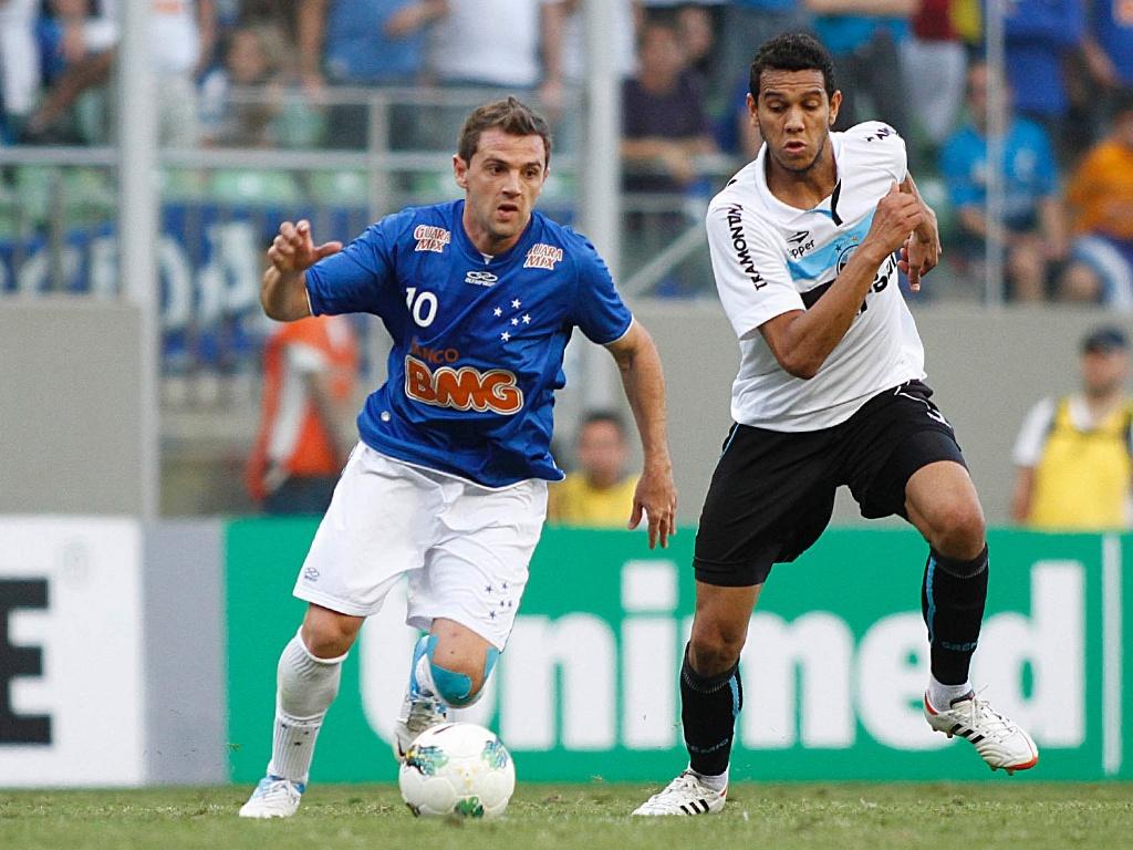 Montillo durante o jogo em que o Cruzeiro perdeu para o Grêmio, por 3 a 1 (15/7/2012)