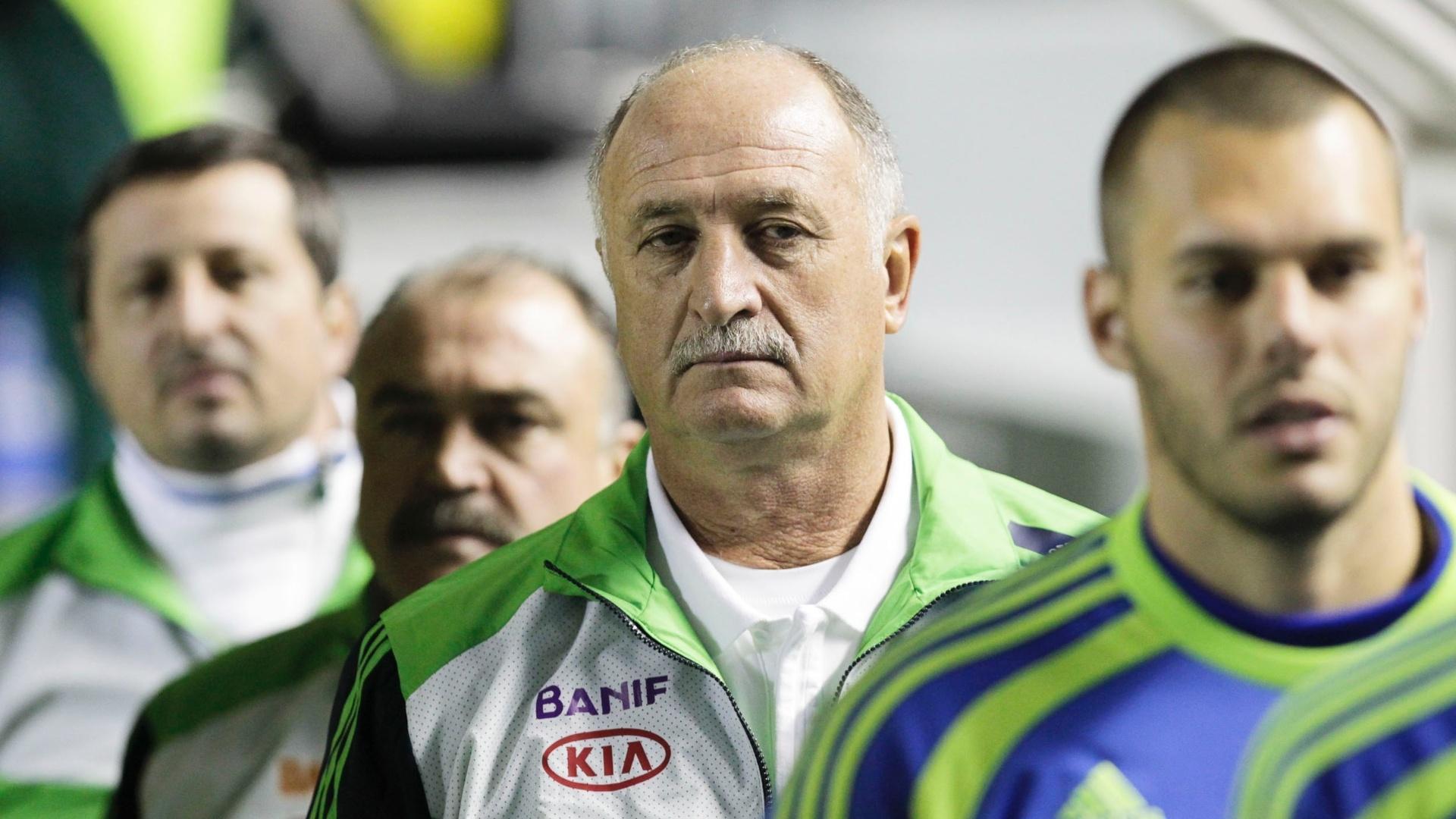 Técnico Felipão aguarda início do clássico entre Palmeiras e São Paulo