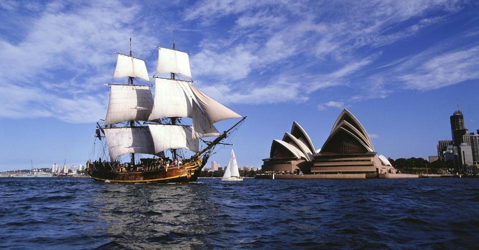 Barco na baía de Sydney, Austrália