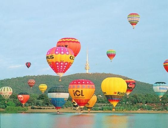 Festa de balões em Camberra, capital da Austrália