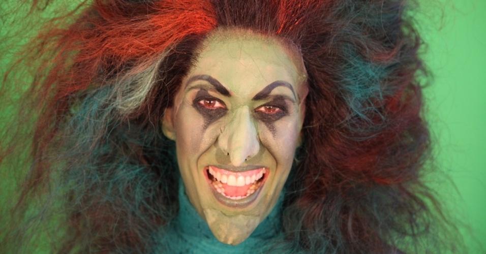 """Maria Clara Gueiros transforma-se em Bruxa Má do Oeste em """"O Mágico de Oz"""" (2012)"""