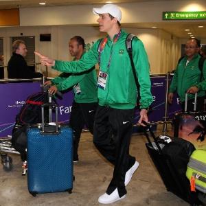 Cielo na chegada ao aeroporto de Heathrow, em Londres; medalhistas vieram juntos de executiva