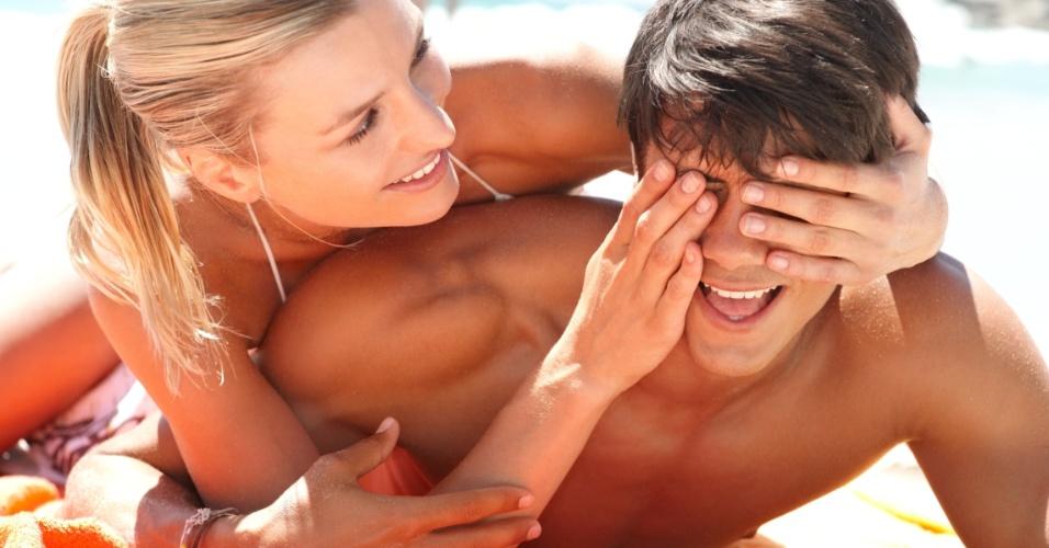 casal feliz excesso over apaixonados irrita facebook