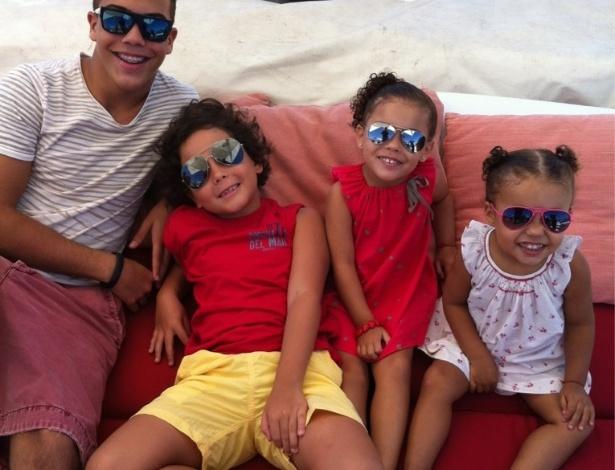 Ronaldo posta fotos dos filhos no Twitter (17/7/12)