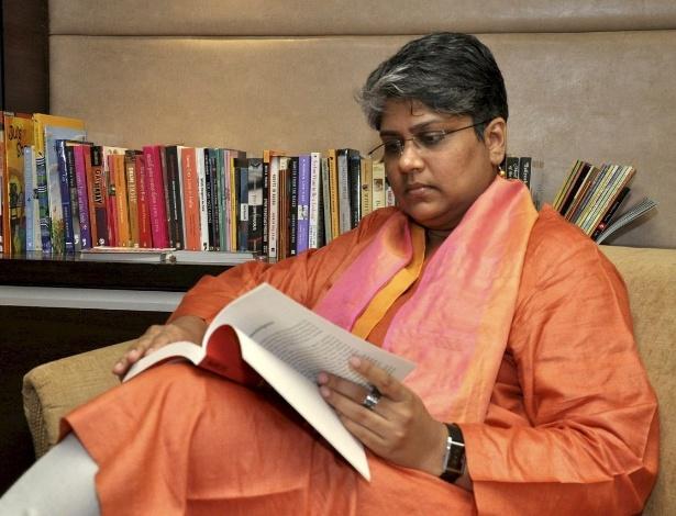 A ativista Shobhna Kumar, criadora da editora Queer Ink, voltada para o público gay (14/7/12) - EFE