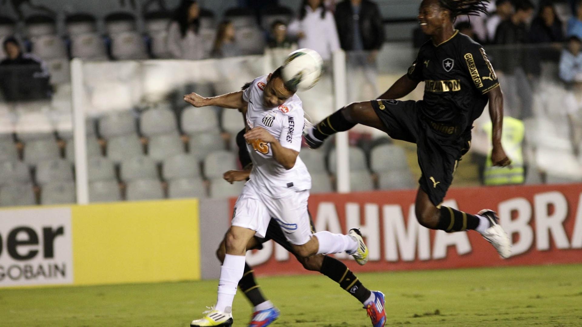 Andrezinho, do Botafogo, dá