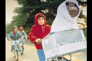 "Cena de ""E.T - O Extraterrestre"", de Spielberg"