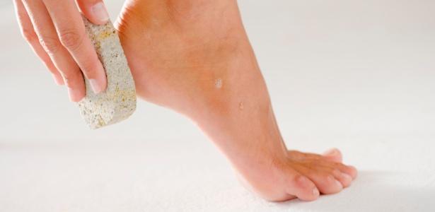 Esfoliação e hidratação regulares são fundamentais para manter a saúde e boa aparência dos pés - Thinkstock