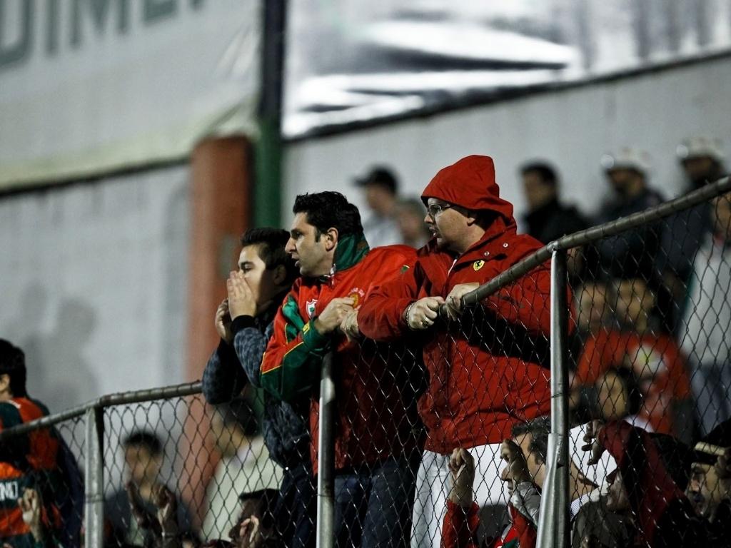 Torcedores da Portuguesa protestam contra a equipe após a derrota por 2 a 0 para o Cruzeiro