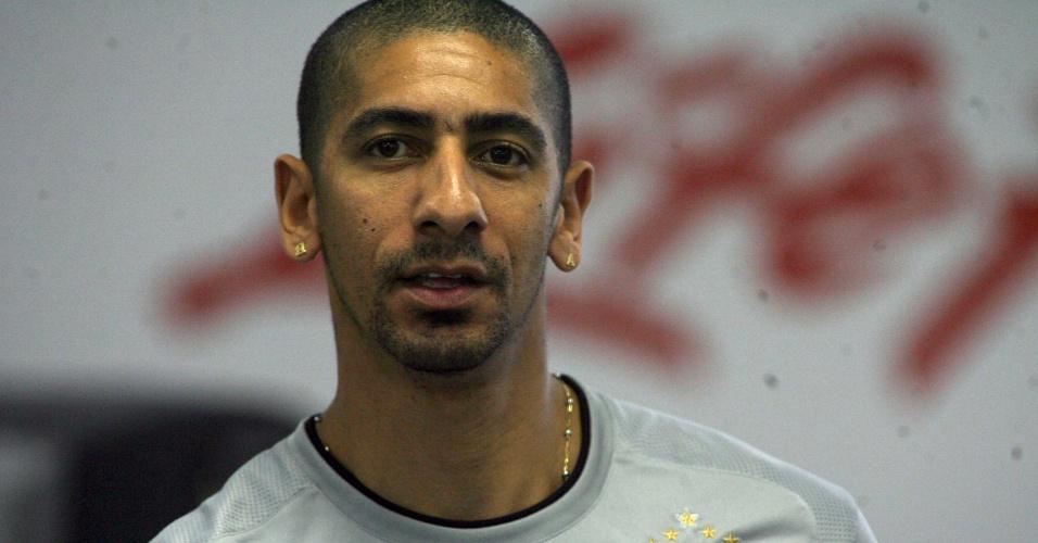 Acosta, atacante uruguaio, defendeu o Corinthians em 2008
