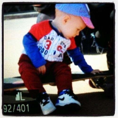 """Em Londres para as Olimpíadas, o jogador Neymar publicou no Instagram uma foto do filho, Davi Lucca. """"Saudades do pequeno! Figurinhaaa"""", escreveu ele no microblog nesta quinta-feira (19/7/2012)"""