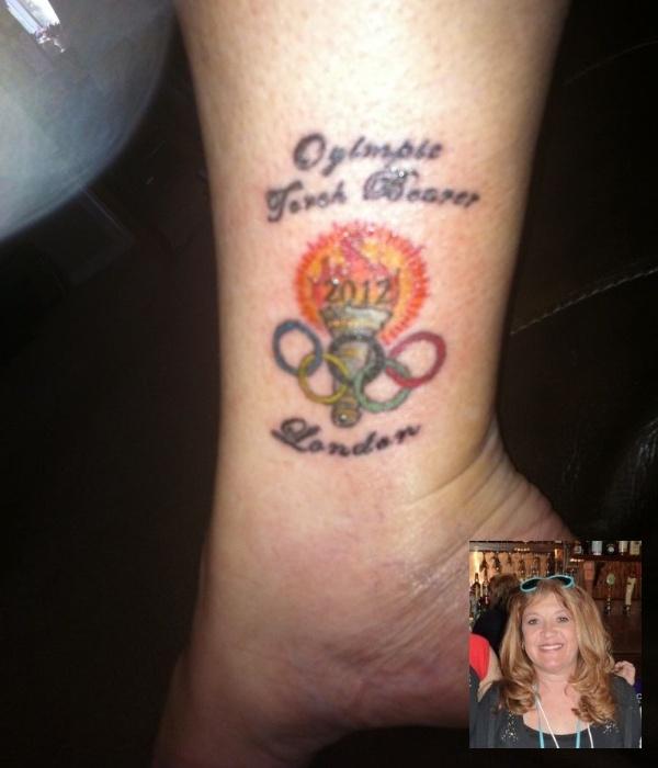 Mulher faz tatuagem com grafia errada em homenagem à tocha olímpica