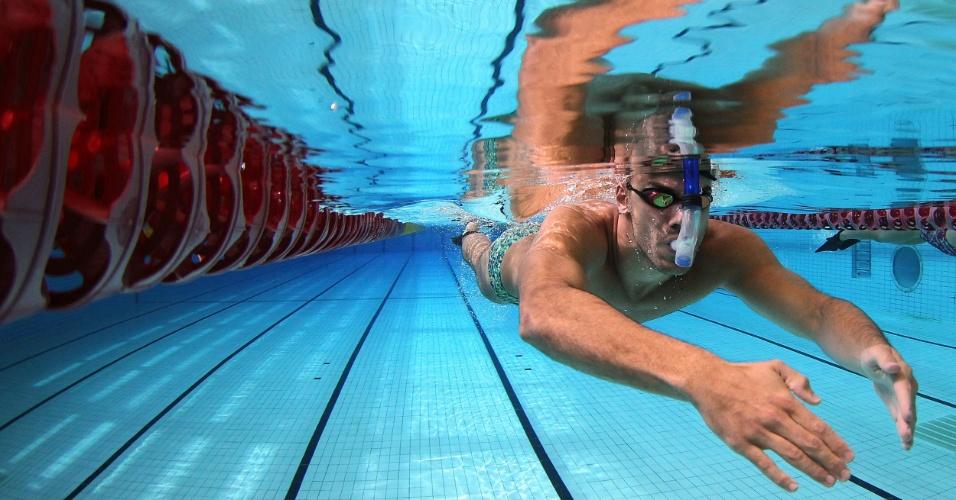Nadador João de Lucca também foi para a piscina do Centro Aquático do Crystal Palace nesta quinta-feira (19/07/2012)
