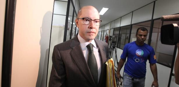 Após convite do deputado Jovair Arantes (PTB-GO), senador cassado conversa com o PTB para se filiar ao partido