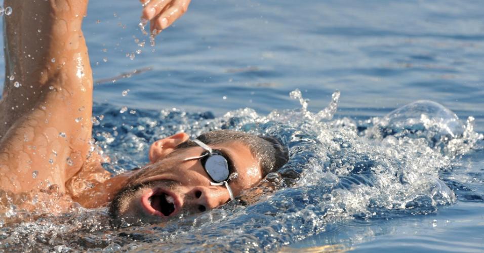 Nadador norte-americano Michael Phelps treina em Londres neste sábado (21/07/12)