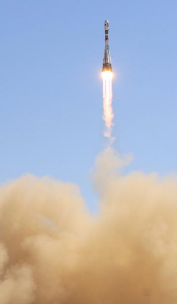 22.jul.2012 - O Cosmódromo de Baikonur, no Cazaquistão, lança foguete transportador Soyuz-FG com um grupo de cinco satélites: dois da Rússia (Canopus-B e MKA-PN1), um da Bielorússia (BKA), um do Canadá (ADS-1B) e um da Alemanha (TET-1)